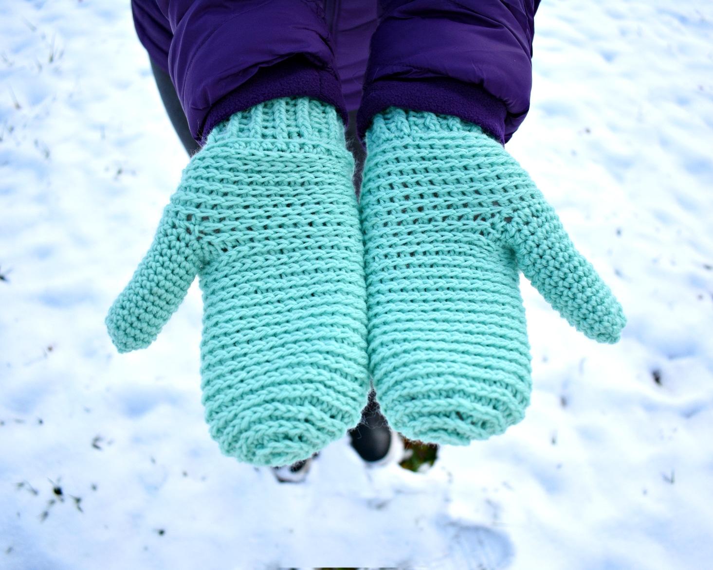 Sidewinder Crochet Mittens Pattern